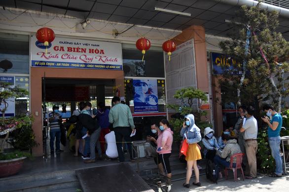 45.000 công nhân lao động ngoại tỉnh ở lại Đồng Nai đón tết - Ảnh 1.