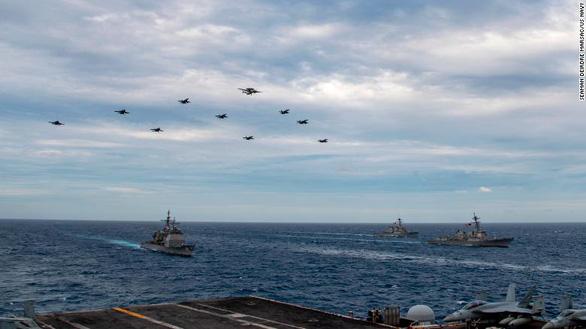 Tàu chiến Mỹ vào Biển Đông xong, 2 nhóm tác chiến tàu sân bay Mỹ cũng tiến vào - Ảnh 1.