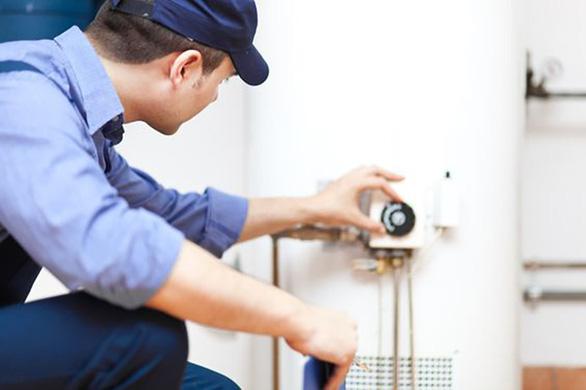 Bỏ túi quy trình vệ sinh bình nước nóng tại nhà - Ảnh 2.