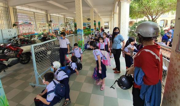 Cần Thơ cho học sinh mầm non nghỉ học sau Tết, trung học học trực tuyến - Ảnh 1.