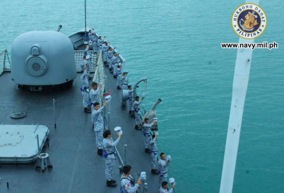 Philippines tăng thêm hiện diện hải quân ở Biển Đông để bảo vệ ngư dân mình - Ảnh 1.