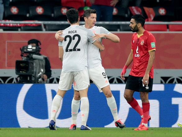 Lewandowski đưa Bayern Munich vào chung kết FIFA Club World Cup - Ảnh 2.