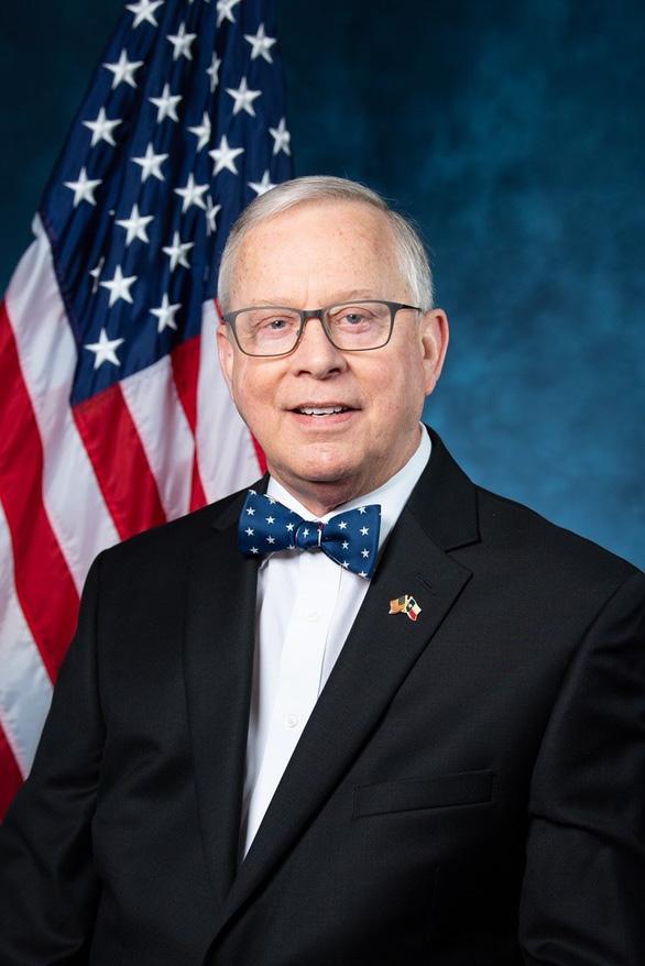Nghị sĩ Mỹ đầu tiên tử vong do COVID-19 - Ảnh 1.