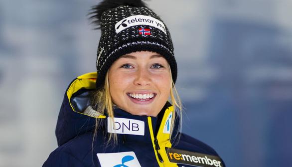 Điểm tin thể thao sáng 1-3: Hoa khôi trượt tuyết Na Uy bị gãy chân sau cú ngã kinh hoàng - Ảnh 1.