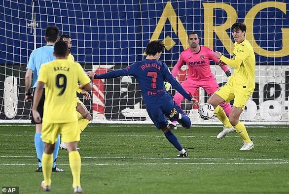 Đánh chìm tàu ngầm vàng, Atletico Madrid bỏ xa Barca 5 điểm - Ảnh 2.
