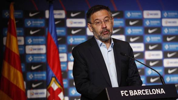 Cựu chủ tịch Barca Bartomeu bị bắt - Ảnh 1.