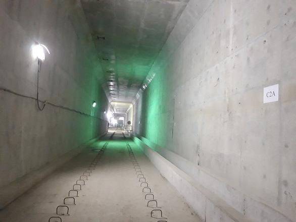 Cuối năm 2021 hoàn trả mặt đường Lê Lợi sau hơn 4 năm rào kín làm metro - Ảnh 2.