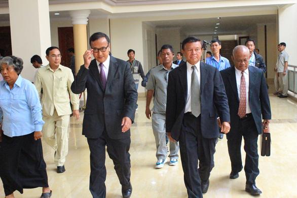 Ông Sam Rainsy, cựu lãnh đạo Đảng Cứu quốc Campuchia, bị kết án 25 năm tù - Ảnh 1.