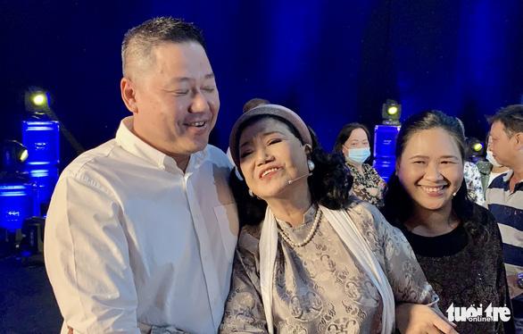 Cuộc trùng phùng với người con nuôi hơn 40 năm thất lạc của NSND Kim Cương - Ảnh 4.