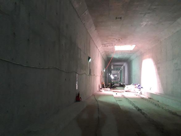 Cuối năm 2021 hoàn trả mặt đường Lê Lợi sau hơn 4 năm rào kín làm metro - Ảnh 3.