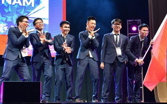 Hậu trường thi Olympic quốc tế - Những chuyện chưa kể - Kỳ 1: We are from Việt Nam - Ảnh 2.