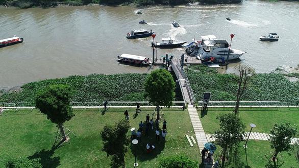 Ấn tượng với tour trải nghiệm đường sông tham quan biệt thự mẫu đô thị đảo Phượng Hoàng - Ảnh 3.