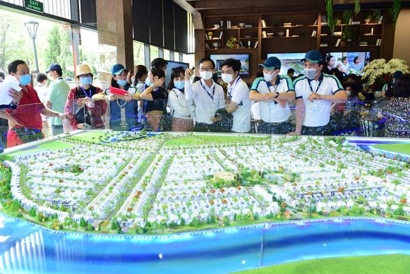 Ấn tượng với tour trải nghiệm đường sông tham quan biệt thự mẫu đô thị đảo Phượng Hoàng - Ảnh 9.