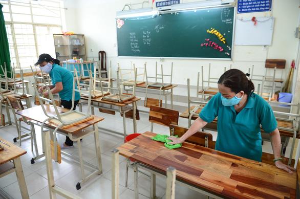 Hầu hết học sinh trở lại trường - Ảnh 1.