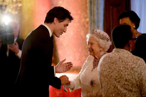 Phỏng vấn Harry - Meghan: Thủ tướng Canada lên tiếng về quan hệ với hoàng gia Anh - Ảnh 1.