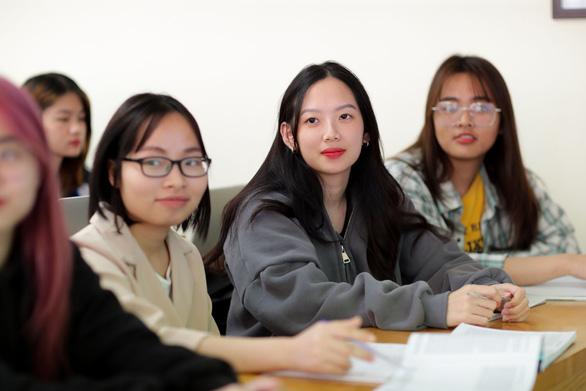 Ba cơ sở giáo dục ĐH Việt Nam lọt bảng xếp hạng các trường ĐH ở nền kinh tế mới nổi - Ảnh 1.