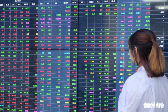 Đề nghị thuê người nước ngoài quản lý Sở giao dịch chứng khoán Việt Nam - Ảnh 1.