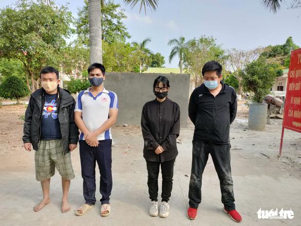 Bắt quả tang 4 người xuất cảnh trái phép sang Campuchia, có 1 người Trung Quốc - Ảnh 1.