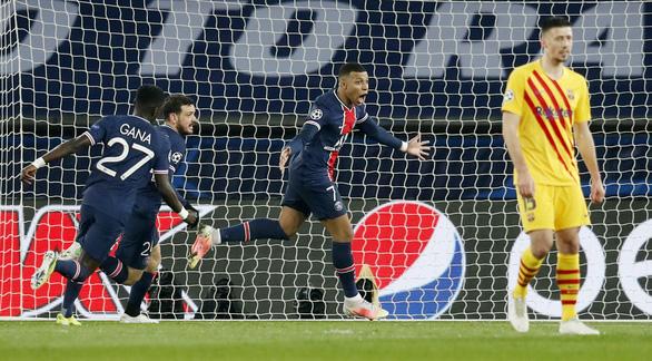 Messi ghi bàn và sút hỏng penalty, Barca chia tay Champions League - Ảnh 1.