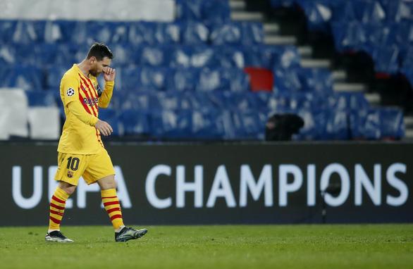 Messi ghi bàn và sút hỏng penalty, Barca chia tay Champions League - Ảnh 4.