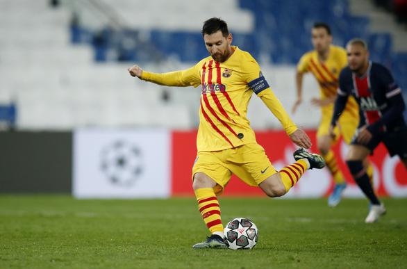 Messi ghi bàn và sút hỏng penalty, Barca chia tay Champions League - Ảnh 3.
