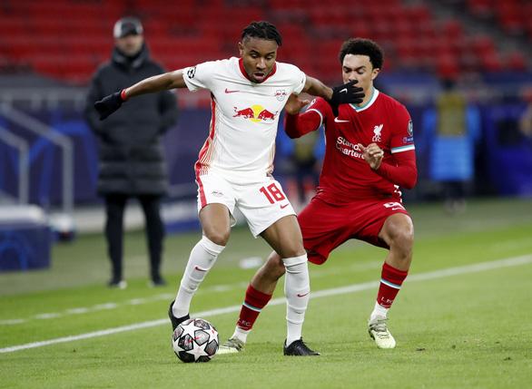 Salah và Mane đưa Liverpool vào tứ kết Champions League - Ảnh 2.