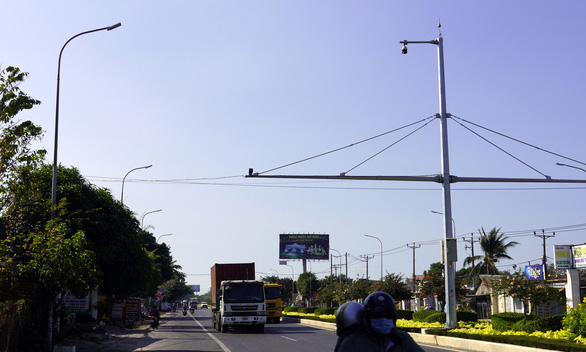 89 mắt thần giám sát, xử phạt vi phạm giao thông trên quốc lộ 51 - Ảnh 1.