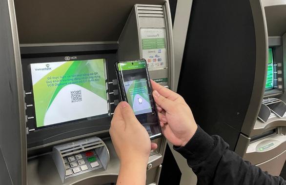Sử dụng VCB-Digibank, không cần thẻ vẫn rút được tiền tại ATM - Ảnh 2.
