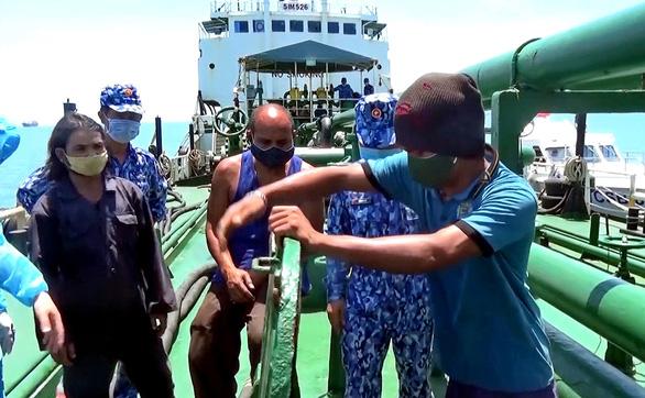 Vùng biển quanh Côn Đảo: Điểm nóng của xăng dầu lậu - Ảnh 1.