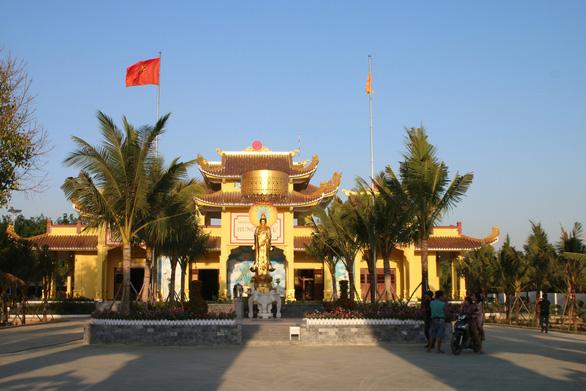 Sở Y tế Bình Thuận báo cáo vụ thần y Võ Hoàng Yên - Ảnh 1.
