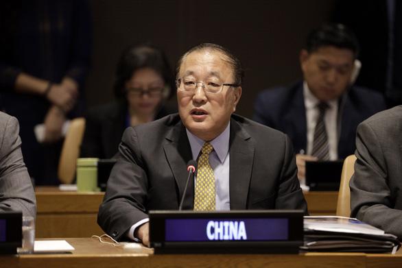 Đại sứ Trung Quốc bất ngờ kêu gọi xuống thang căng thẳng ở Myanmar - Ảnh 1.