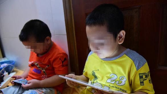 Là người mẹ, tôi mong có nhiều phản ứng mạnh, thậm chí khởi kiện Thơ Nguyễn - Ảnh 1.