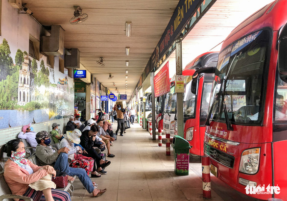 Từ 13-3, xe khách tuyến TP.HCM đi Quảng Trị trở ra hoạt động ở bến xe Miền Đông mới - Ảnh 1.