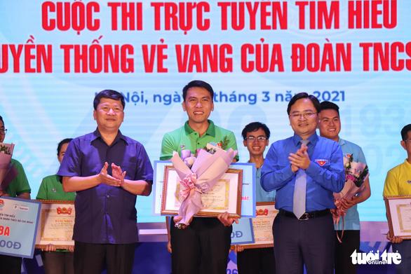 3 chàng trai trẻ đoạt quán quân cuộc thi tìm hiểu 90 năm của Đoàn - Ảnh 3.