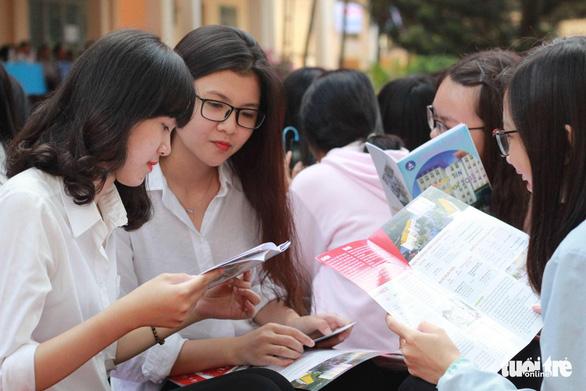 Sáng nay 13-3 tư vấn tuyển sinh hướng nghiệp tại Đắk Lắk - Ảnh 1.