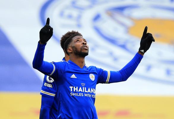 Leicester vượt mặt Man Utd trên bảng xếp hạng - Ảnh 1.