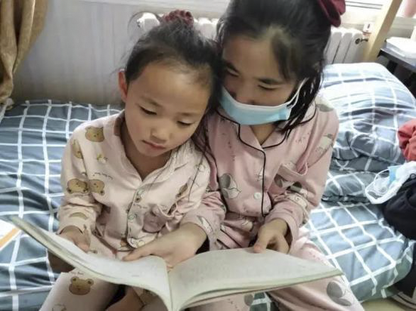 Cô bé Trung Quốc 7 tuổi chạy 10km mỗi ngày để giúp chị được sống - Ảnh 1.