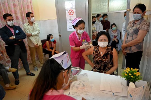 Người Việt ở Campuchia lo đói vì COVID-19 - Ảnh 1.