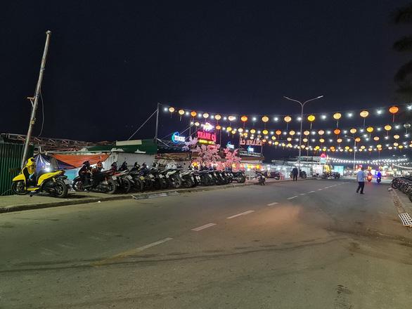 Quảng Ngãi: Chợ đêm Sông Trà sắp bị dừng vì chỉ là... phố nhậu - Ảnh 2.