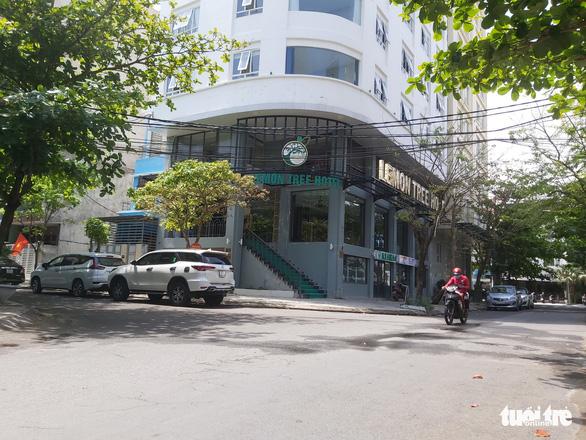 Thuê khách sạn, đón nhiều người Trung Quốc nhập cảnh chui vào ở bất chấp dịch COVID-19 - Ảnh 2.