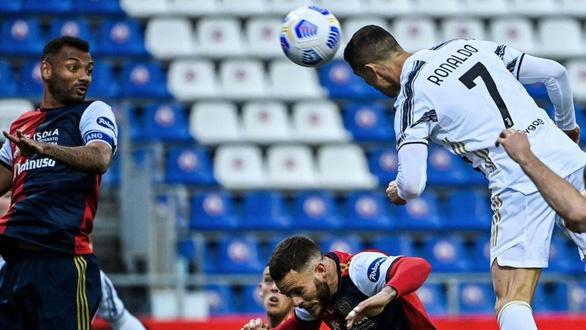 Ronaldo ghi hat-trick trong 22 phút giúp Juve còn hi vọng vô địch - Ảnh 2.