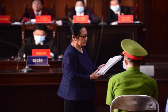 Bà Dương Thị Bạch Diệp phủ nhận cáo trạng, nghi ngờ hồ sơ giả mạo - Ảnh 2.