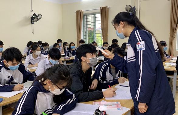 Hải Dương đề xuất cho học sinh 7 huyện đi học trở lại từ ngày 18-3 - Ảnh 1.