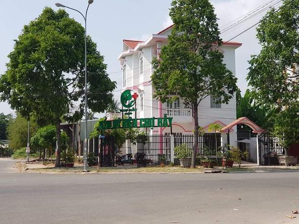 Cơ sở thẩm mỹ phẫu thuật chui lấy tên Chợ Rẫy - cơ sở Cần Thơ - Ảnh 1.