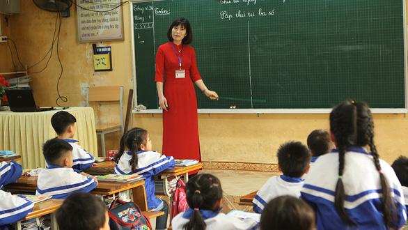 Phải chọn xong SGK lớp 2, 6 trước ngày 5-4, giáo viên được kiến nghị chỉnh sửa - Ảnh 1.