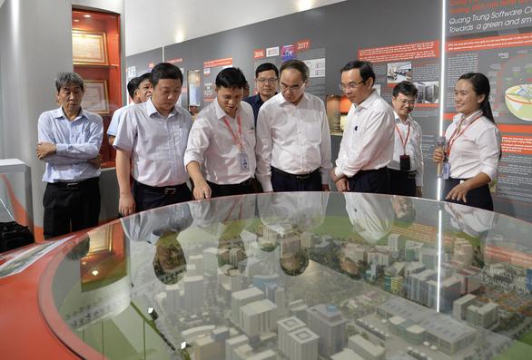 Lãnh đạo TP.HCM thăm Công viên phần mềm Quang Trung - Ảnh 3.