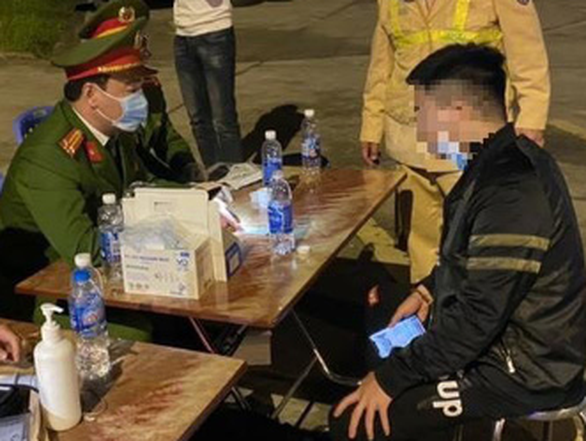 Phát hiện tài xế dương tính với ma túy trên cao tốc Hà Nội - Hải Phòng - Quảng Ninh - Ảnh 1.