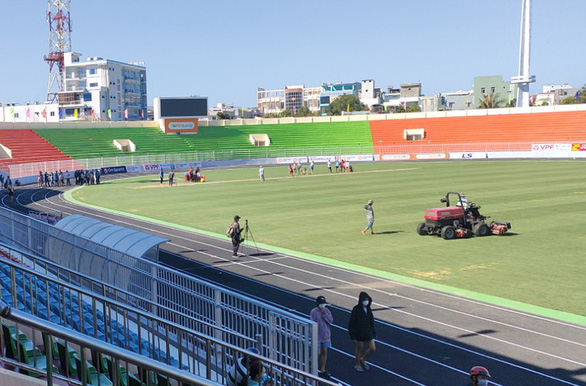 SVĐ Quy Nhơn khoác áo mới trở lại V-League, phát hành 10.000 vé miễn phí - Ảnh 4.