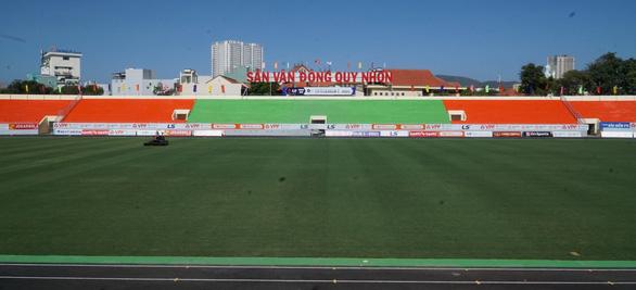 SVĐ Quy Nhơn khoác áo mới trở lại V-League, phát hành 10.000 vé miễn phí - Ảnh 1.