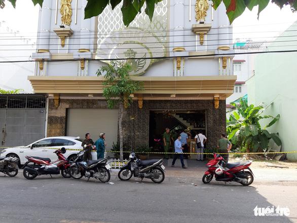 Bắn nhau tại quán karaoke ở Tiền Giang: Mời làm việc 35 người - Ảnh 2.
